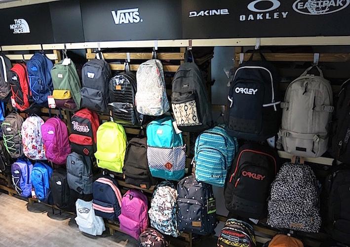 vans shop plecaki